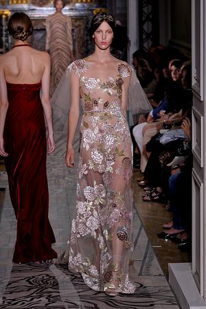 Показ Valentino коллекции сезона Осень-зима 2011-2012 года haute couture - www.elle.ru - Подиум - фото 278536