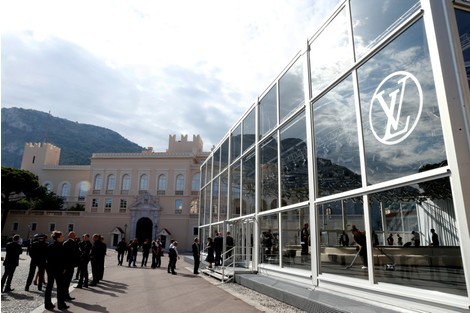 Показ круизной коллекции Louis Vuitton в Монте-Карло