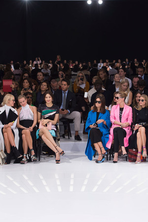 Показ Christian Dior коллекции сезона Весна-лето 2015 года Prêt-à-porter - www.elle.ru - Подиум - фото 590876