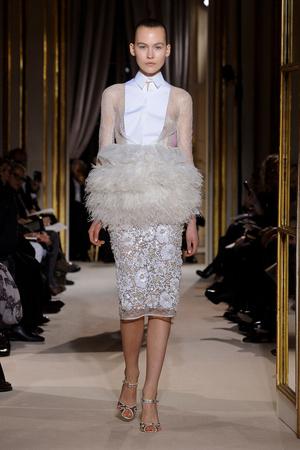 Показ Giambattista Valli коллекции сезона Весна-лето 2012 года Haute couture - www.elle.ru - Подиум - фото 330855