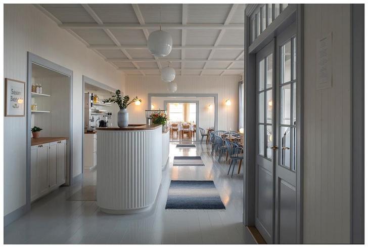 Владельцы восстановили отель у Северного моря (фото 0)