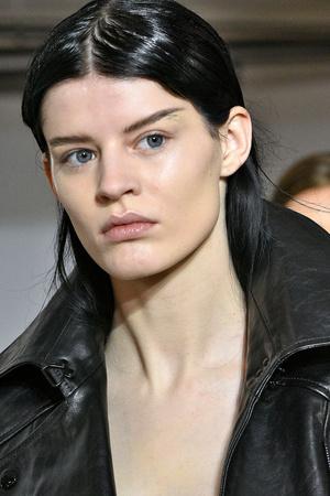Как создать идеальный нюдовый макияж? (фото 8)