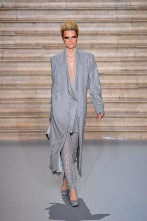 Показ Stephane Rolland коллекции сезона Осень-зима 2009-2010 года Haute couture - www.elle.ru - Подиум - фото 88344