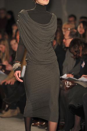 Показ Donna Karan коллекции сезона Осень-зима 2009-2010 года prêt-à-porter - www.elle.ru - Подиум - фото 90098