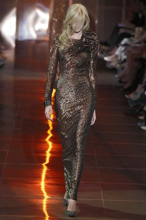 Показ Giorgio Armani Privé коллекции сезона Осень-зима 2010-2011 года haute couture - www.elle.ru - Подиум - фото 167638