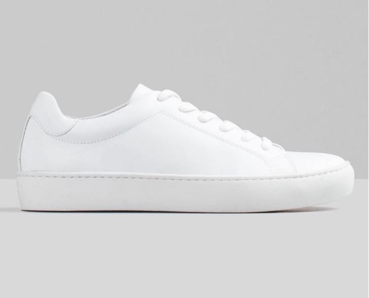 Белые кожаные кеды — константа гардероба. Какие выбрать? (фото 29)