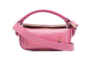 Pink winter: сумочка Jacquemus, которая станет идеальным подарком для Дня всех влюбленных (фото 1.1)
