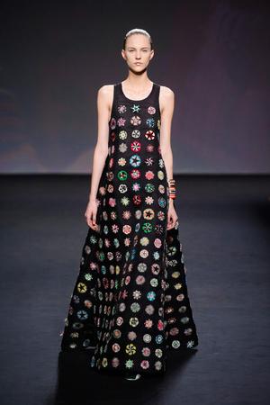 Показ Christian Dior коллекции сезона Осень-зима 2013-2014 года haute couture - www.elle.ru - Подиум - фото 556350