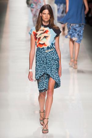 Показы мод Etro Весна-лето 2014   Подиум на ELLE - Подиум - фото 3612