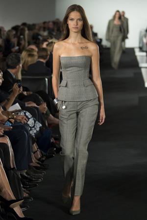 Показ Ralph Lauren коллекции сезона Весна-лето 2018 года prêt-à-porter - www.elle.ru - Подиум - фото 628141