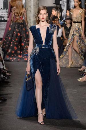 Показ Elie Saab коллекции сезона Осень-зима 2016-2017 года Haute couture - www.elle.ru - Подиум - фото 607218