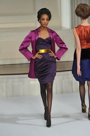 Показы мод Oscar de la Renta Осень-зима 2009-2010 | Подиум на ELLE - Подиум - фото 3212