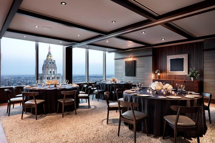 Ресторан в небоскребе с видом на Манхэттен (фото 0)