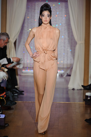 Показ Eric Tibusch коллекции сезона Весна-лето 2013 года Haute couture - www.elle.ru - Подиум - фото 478411