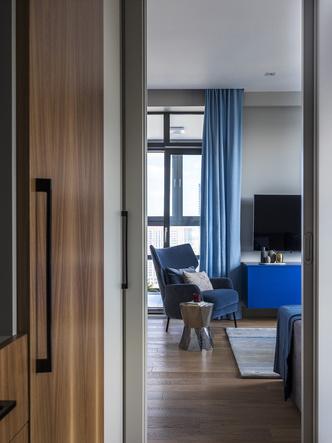 Этюд в синих тонах: двухкомнатная квартира в Москве (фото 5.2)