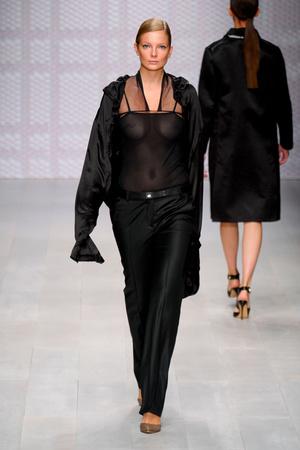 Показы мод Daks Весна-лето 2013 | Подиум на ELLE - Подиум - фото 1192