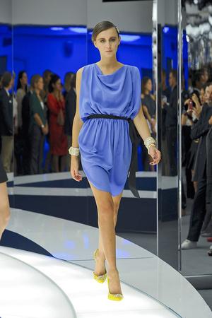 Показы мод Vionnet Весна-лето 2012 | Подиум на ELLE - Подиум - фото 1823