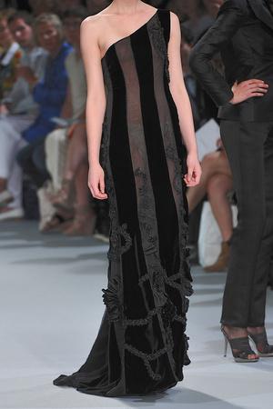 Показ Christophe Josse коллекции сезона Осень-зима 2009-2010 года Haute couture - www.elle.ru - Подиум - фото 87439