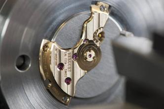 Гильоширование — техника нанесения узора, популяризованная Breguet (фото 1.2)