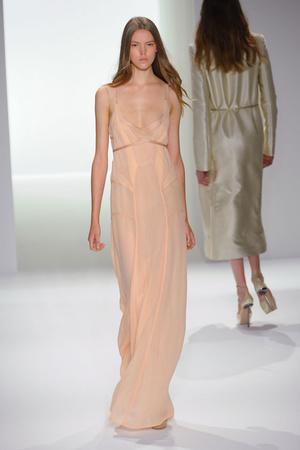 Показ Calvin Klein коллекции сезона Весна-лето 2012 года prêt-à-porter - www.elle.ru - Подиум - фото 297504