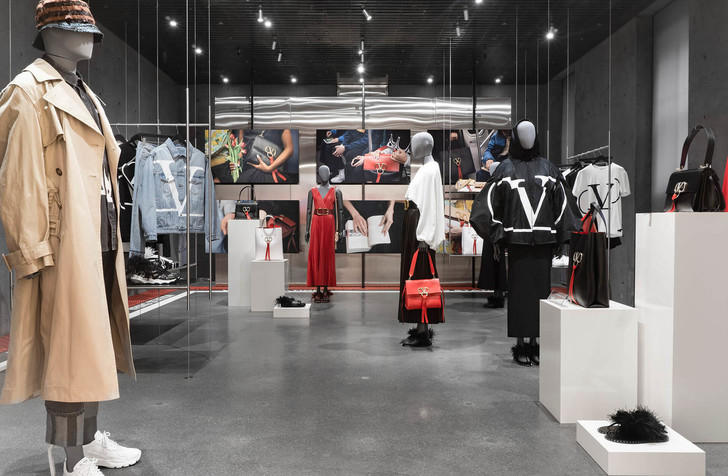 VRing Station: pop-up бутик Valentino в Монреале (фото 5)