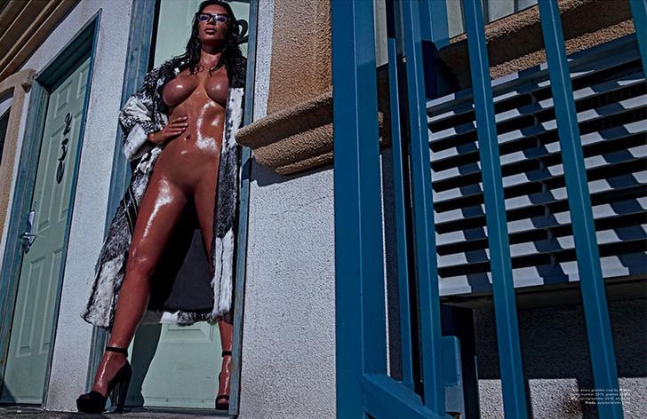 Голая Ким Кардашьян: фото