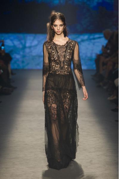 Самые красивые образы Недели моды в Милане   галерея [1] фото [24]