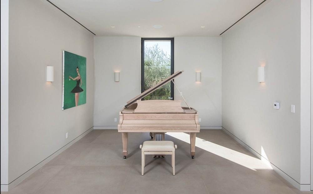 Дом Ким Кардашьян и Канье Уэст продан за 17,8 млн долларов | галерея [1] фото [2]