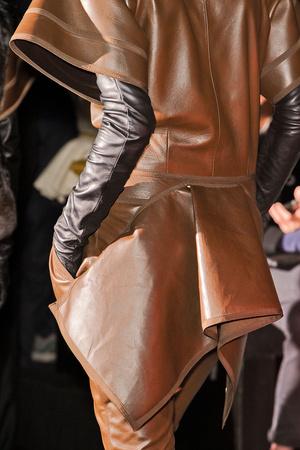 Показ Givenchy коллекции сезона Осень-зима 2012-2013 года Prêt-à-porter - www.elle.ru - Подиум - фото 383761