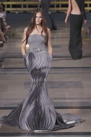 Показ Stephane Rolland коллекции сезона Осень-зима 2010-2011 года haute couture - www.elle.ru - Подиум - фото 168032