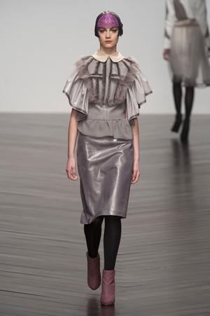 Показы мод Bora Aksu Осень-зима 2013-2014 | Подиум на ELLE - Подиум - фото 799