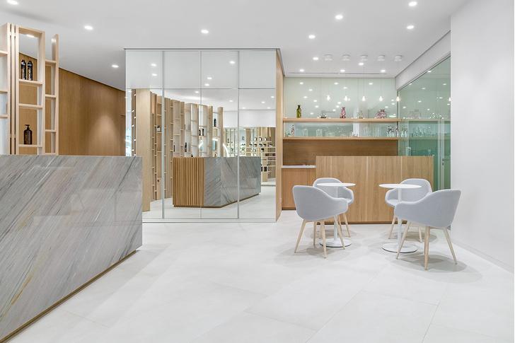 Белым по белому: новый салон красоты в Екатеринбурге (фото 4)