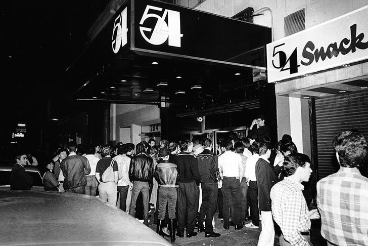 """Боб Колачелло: """"В Studio 54 знаменитости и обычные люди тусовались вместе"""" фото [11]"""