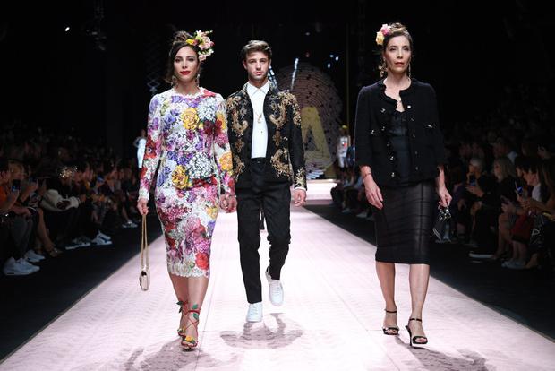 В духе Met Gala: звездопад на показе Dolce&Gabbana (фото 3)