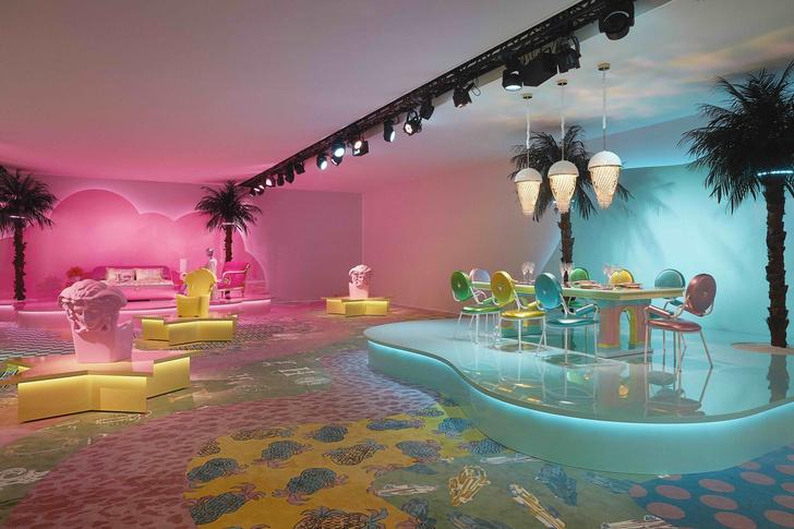 «Неоновая» премьера коллекции Versace Home в Милане (фото 4)