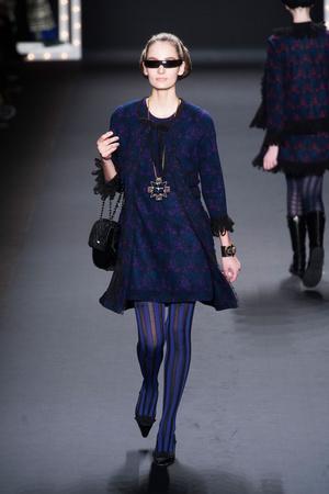 Показ Anna Sui коллекции сезона Осень-зима 2013-2014 года prêt-à-porter - www.elle.ru - Подиум - фото 493980