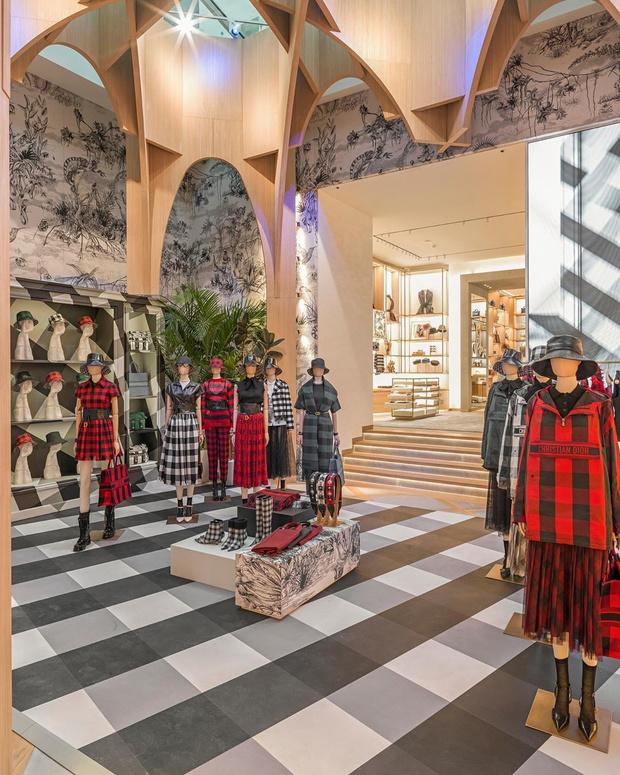 Новый бутик Dior на Елисейских полях (фото 10)
