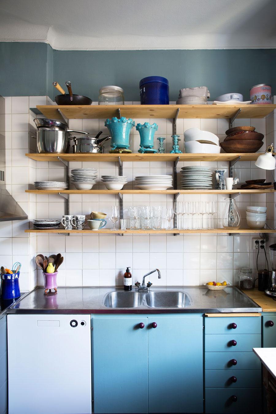 Голубой цвет на кухне: 15 примеров (галерея 0, фото 4)