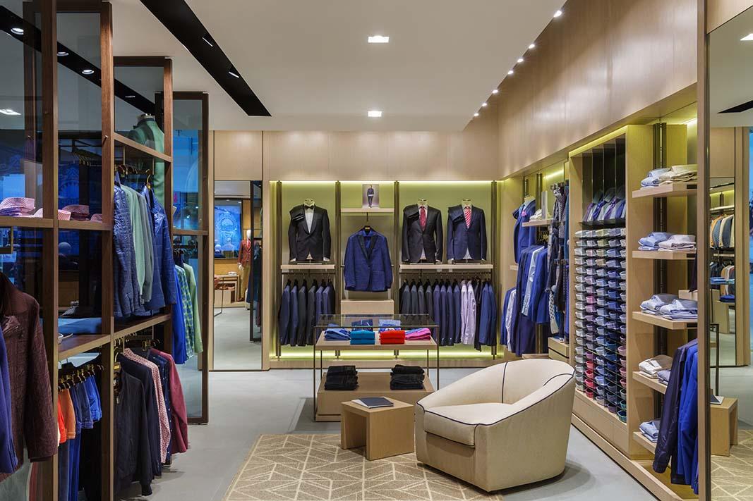 884289a5f4f Обновленный магазин мужской одежды Meucci в Москве - проект бюро PLS Design