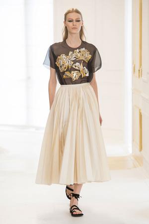 Показ Christian Dior коллекции сезона Осень-зима 2016-2017 года Haute couture - www.elle.ru - Подиум - фото 607093