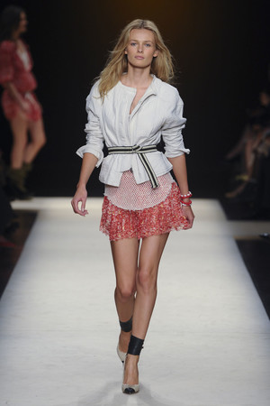 Показы мод Isabel Marant Весна-лето 2011 | Подиум на ELLE - Подиум - фото 2508