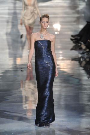Показ Armani Prive коллекции сезона Весна-лето 2010 года Haute couture - www.elle.ru - Подиум - фото 138161