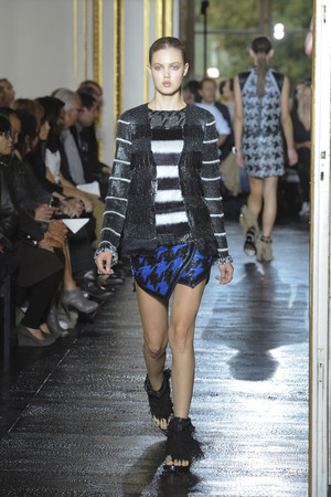 Показы мод Balenciaga Весна-лето 2011 | Подиум на ELLE - Подиум - фото 2520