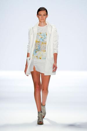 Показы мод Richard Chai Love Весна-лето 2013 | Подиум на ELLE - Подиум - фото 1334