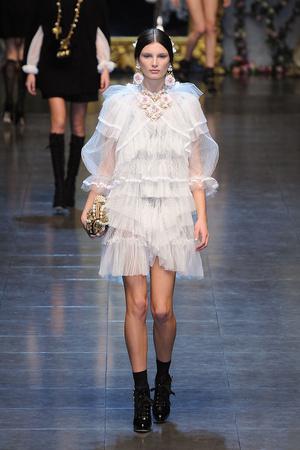 Показ Dolce & Gabbana коллекции сезона Осень-зима 2012-2013 года Prêt-à-porter - www.elle.ru - Подиум - фото 367871