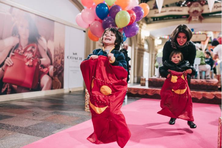 Звездные гости на пятилетии Детского ГУМа фото [5]