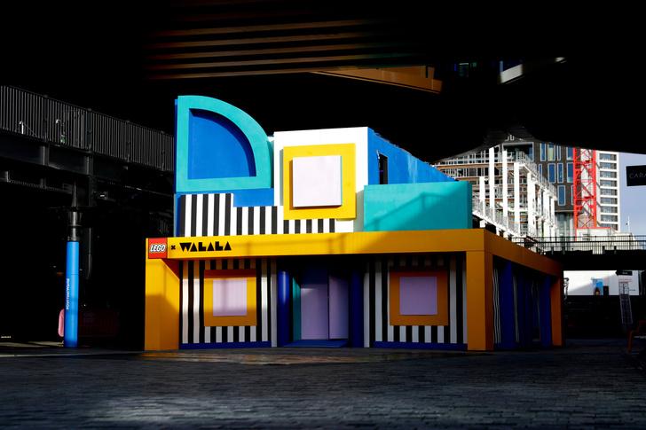 Игрушечный дом с декором из Lego по дизайну Камиллы Валалы (фото 13)
