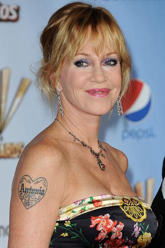Татуировки звезд, вдохновленные бывшими возлюбленными (фото 33)
