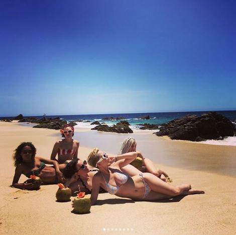 Кэти Перри поделилась откровенным фото в бикини | галерея [1] фото [3]