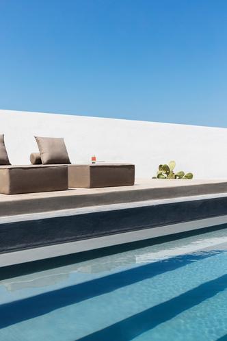 Белоснежная вилла на Санторини от Kapsimalis Architects (фото 7.2)